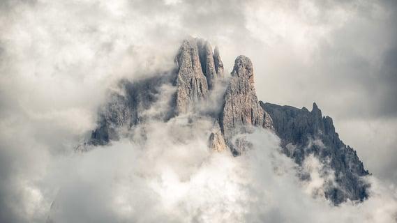 Die Legende der Bleichen Berge